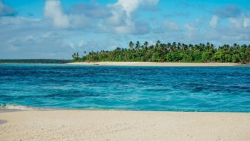 Beach-on-Matafonua-in-Haapai-Tonga.jpg.optimal