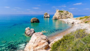 Rock-of-Aphrodite-beautiful-beach-and-sea-bay-Cyprus-island_639030559